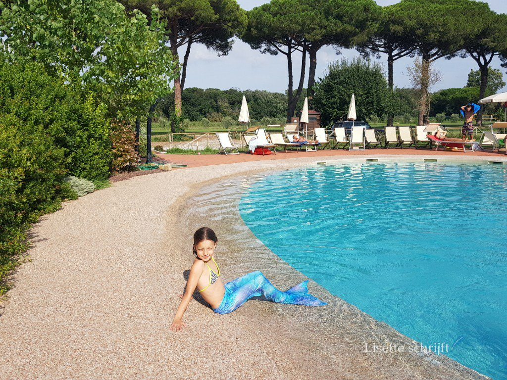 zwembad bij agriturismo pisa